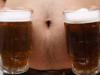 "Here's what really fixes ""beer bellies"" in men"