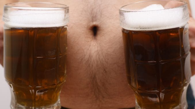 "Here's what really fixes ""beer bellies"" in men"