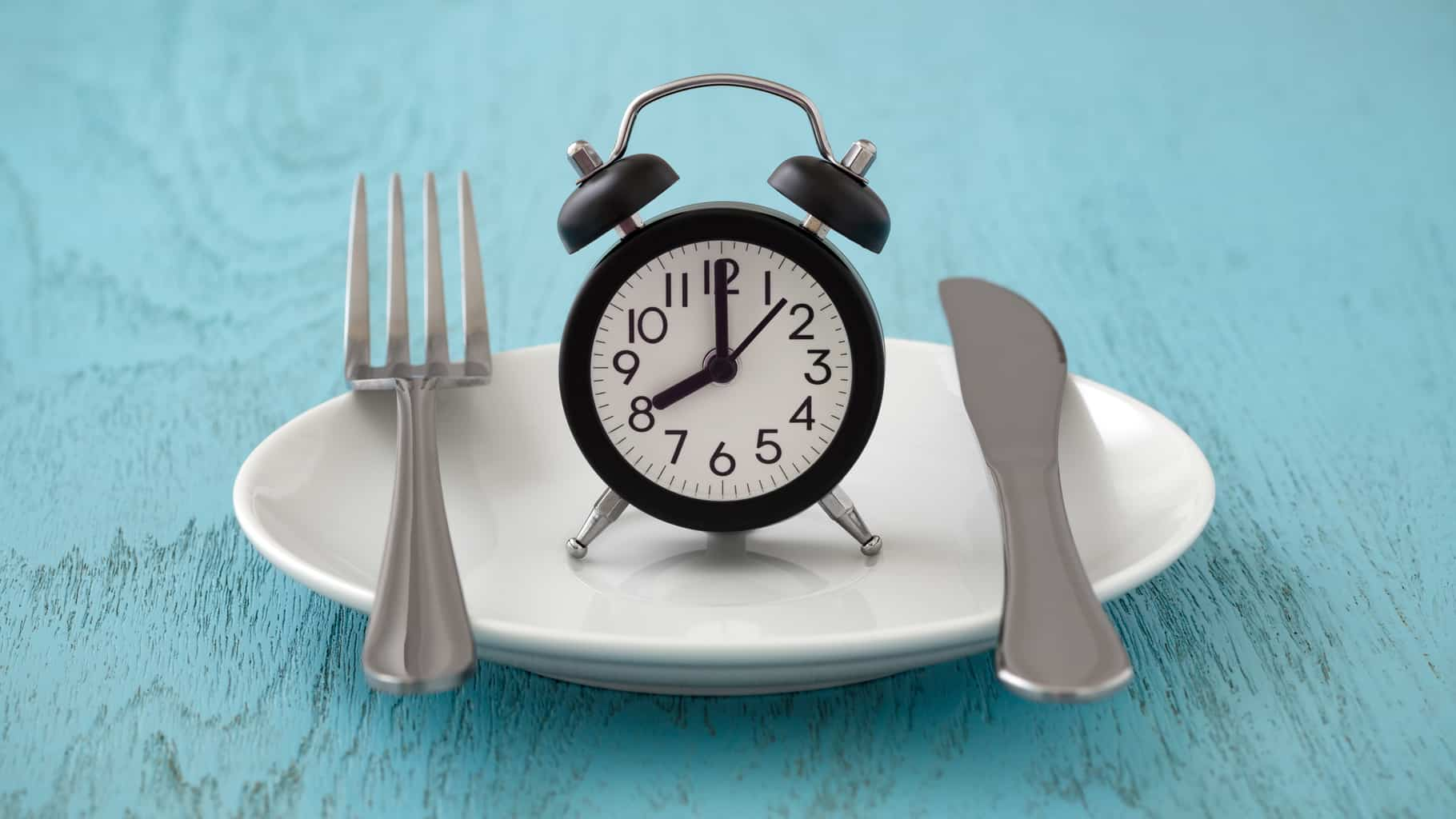 Fasting Offers No Special Weight Loss Benefits AND It May Cause Hidden Harm