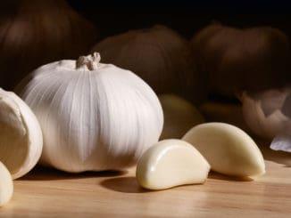 Garlic -- good or bad for men?